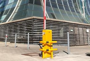 Automatikschranke VS. 500N, gelb mit Rammschutz Standort EXPO Plaza Hannover