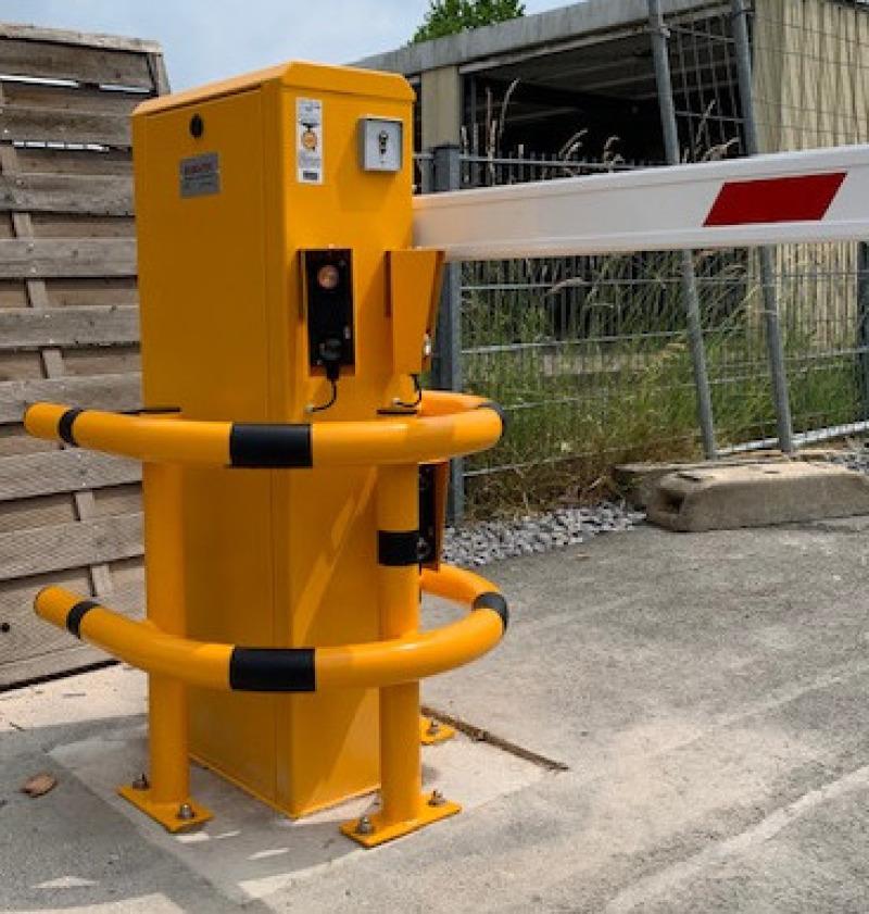Automatische Schranke VS.650 mit Feuerwehr-Dreikantschalter