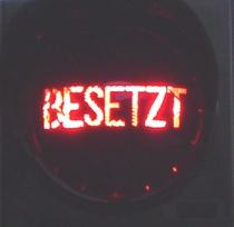 Besetzt Schriftzug zur Montage auf ROT Ampel