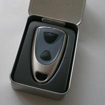 2-Kanal Funkhandsender in Edelstahloptik mit zwei schwarzen Tasten.