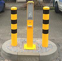 Rammschutzpoller Gelb mit schwarzen Streifen